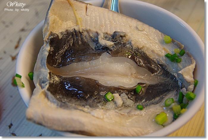 [台南美食]˙阿忠漁粥 ♥  鮮美肥嫩的虱目魚阿~必點虱目魚、古早味紅茶 @小環妞 幸福足跡