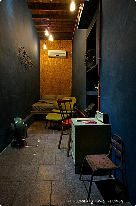 [台南民宿推薦]˙駐宅(住窄) ♥ 不可思議的空間運用,窄房無限創意