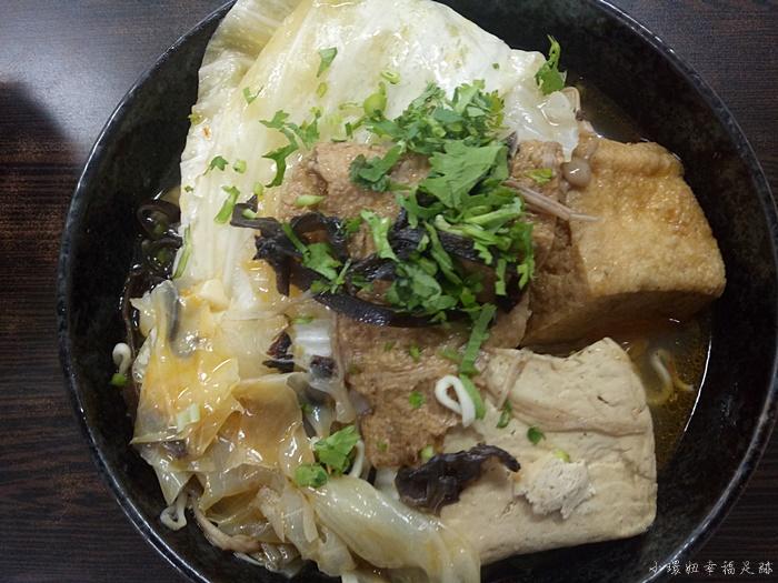 【屏東美食】愛家臭豆腐,屏東最好吃的臭豆腐(加映紅茶老店) @小環妞 幸福足跡