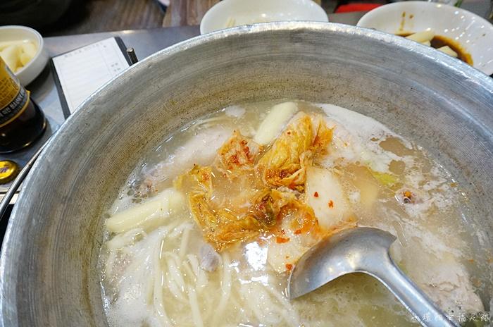 【首爾東大門美食】陳玉華一隻雞,心目中第一名的一隻雞料理! @小環妞 幸福足跡