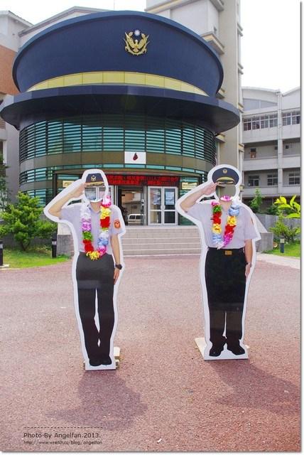[台南旅遊景點]˙新化警察局 ♥ 沒看錯?警局也要帶警帽!! @小環妞 幸福足跡