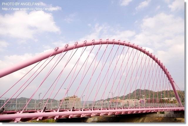 [台中景點]˙大坑粉紅情人橋 ♥ 來這裡散步氣氛太浪漫,告白首選 @小環妞 幸福足跡