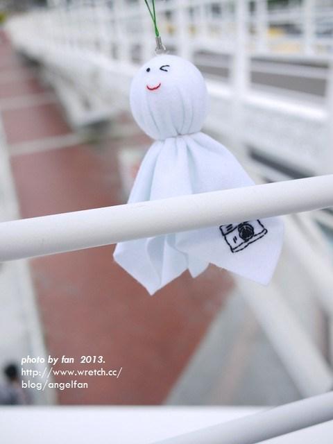 高雄景觀橋 ♥ 在鼓山輪渡站發現巨人弓箭手必備武器 @小環妞 幸福足跡