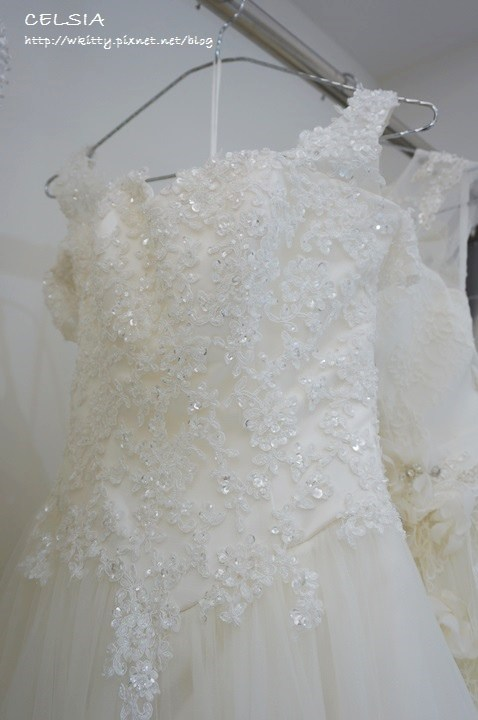 【婚禮】美到讓我後悔早婚,手工婚紗讓新娘子都失心瘋 ♥ 賽西亞手工婚紗 @小環妞 幸福足跡