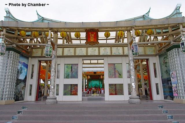 【彰化鹿港景點】玻璃媽祖廟、台灣玻璃館 ♥ 黃金隧道超有趣 @小環妞 幸福足跡