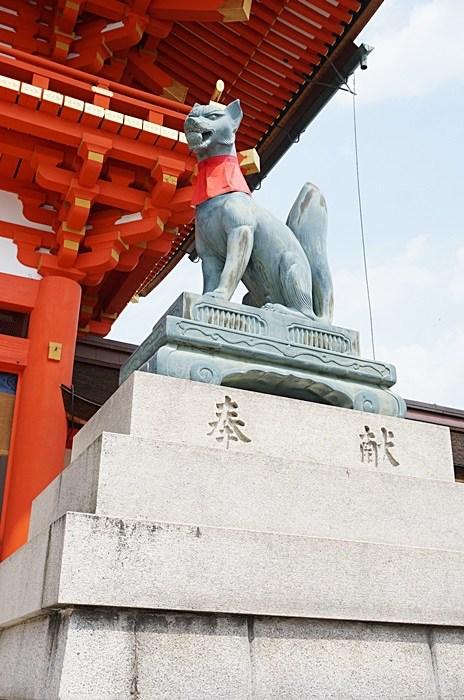 【京都景點(29) 】伏見稻荷大社,綿延不絕的紅色鳥居無敵壯觀,必來! @小環妞 幸福足跡