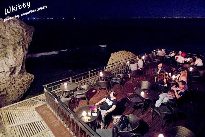 【峇里島驚奇景點(24)】岩石酒吧Rock Bar,坐落於岩石峭壁旁的厲害酒吧,峇里島必去酷酒吧! @小環妞 幸福足跡