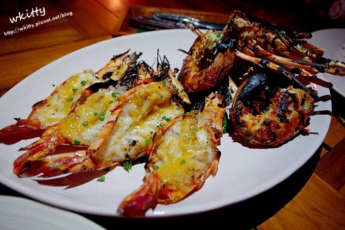【峇里島美食餐廳推薦(25)】Kisik Bar 海鮮餐廳,岩石酒吧旁,礁岩上的海鮮美食大餐好浪漫! @小環妞 幸福足跡