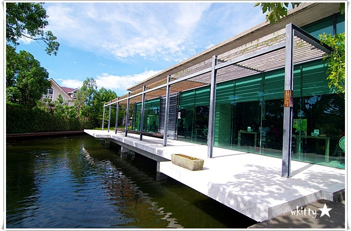 【新竹景觀餐廳】二泉湖畔咖啡民宿,漂亮的水上建築! @小環妞 幸福足跡