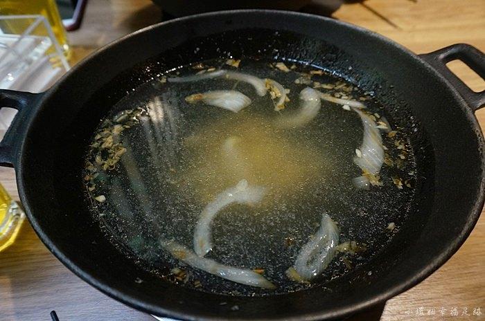 【西門站美食】打狗霸(德立莊店)平價CP高小火鍋,肉片給很大方 @小環妞 幸福足跡