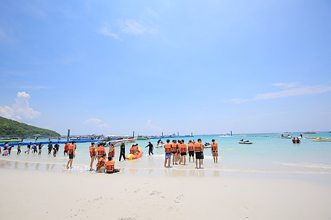 【芭達雅水上活動推薦】格蘭島玩水一日遊,海底漫步,滑翔傘,香蕉船 @小環妞 幸福足跡