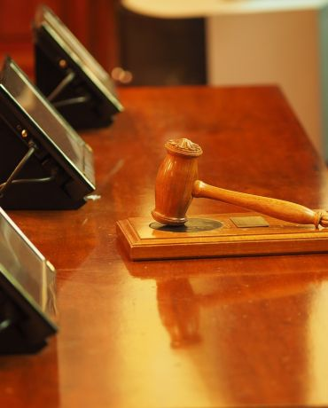 Called as a Witness? 5 Reasons You Need a Lawyer