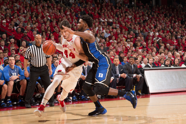 Wisconsin PF Frank Kaminsky (44) drives to the basket. PHOTO: David Stluka.