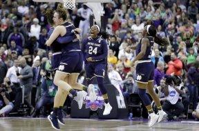 Notre Dame wins NCAA women AP