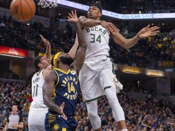 Giannis Block AP