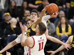 Badgers Potter blocked Iowa Garza AP