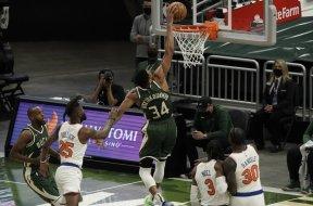 Giannis dunk Knicks AP