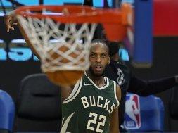 Khris Middleton bucket AP