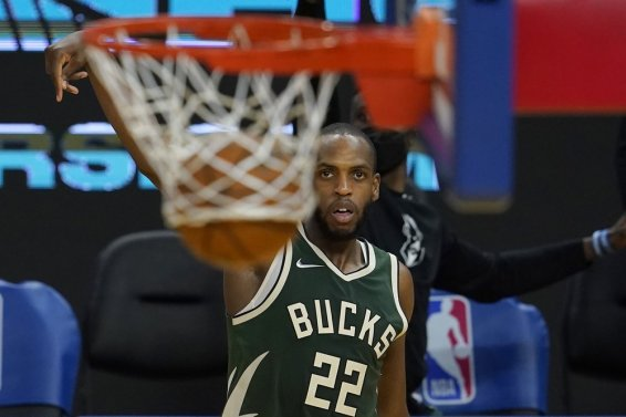 Khris Middleton bucket AP