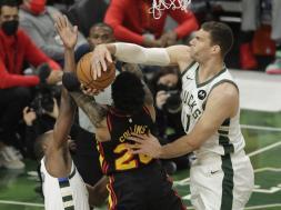 Lopez block Collins AP
