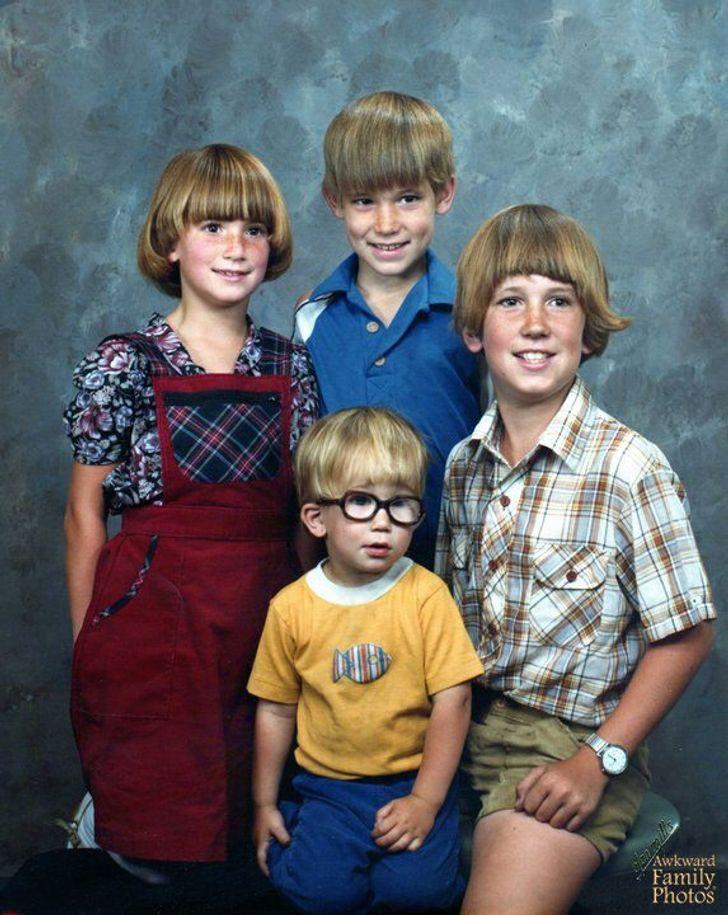 Weird Family Pictures : weird, family, pictures, Weird, Family, Photos, Freeze, Several, Minutes