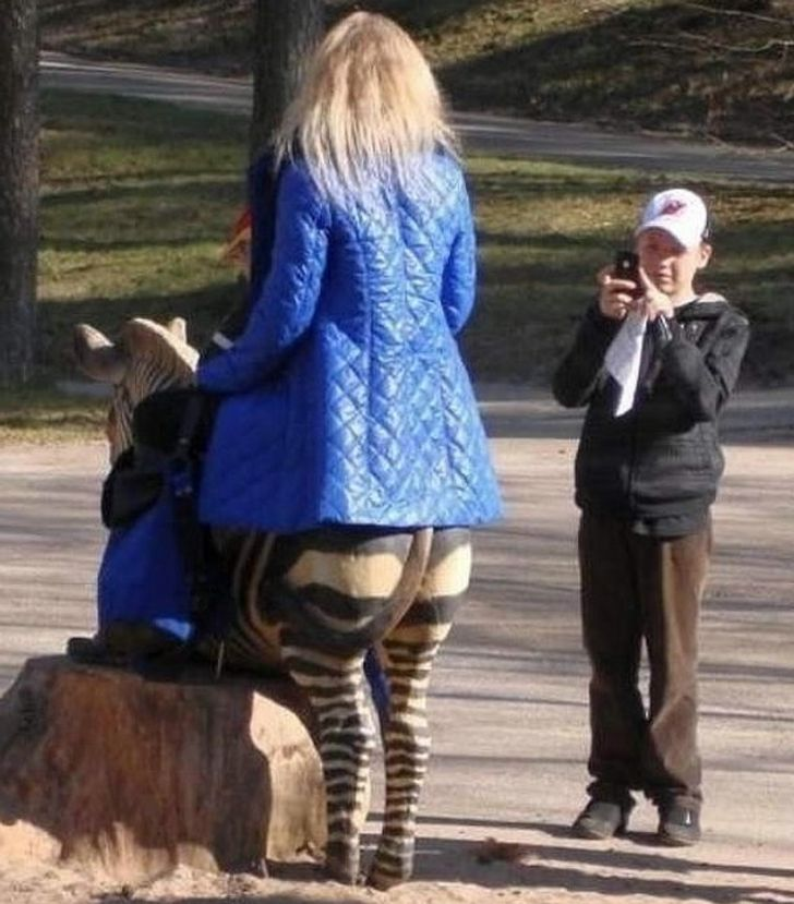 29Confusing Photos You Need toLook atTwice toUnderstand
