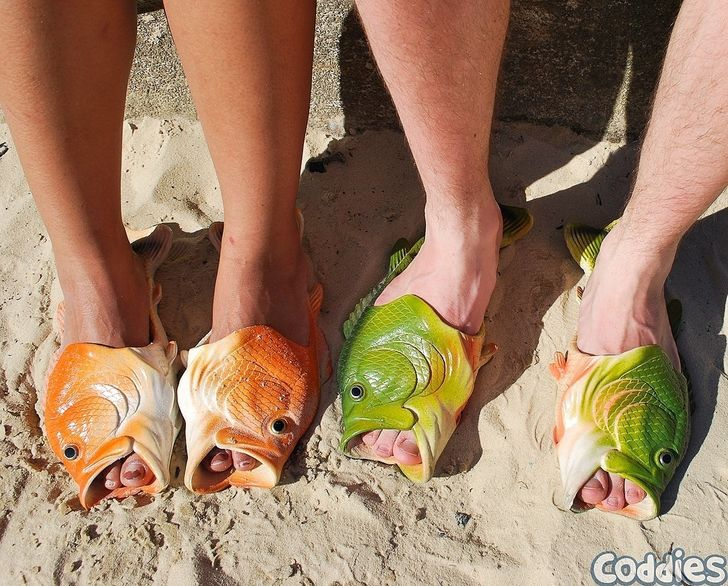 16 Photos of flip-flops that break all the molds and show that feet are not a limit to creativity