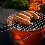 Bezpieczna majówka przy ogrodowym grilu. Inspekcja handlowa sprawdziła 282 partie grilli i podpałek, a UOKiK radzi jak bezpiecznie grillować