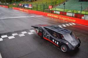 Zespół Lodz Solar Team zwyciężył w 24-godzinnym międzynarodowym wyścigu pojazdów elektrycznych napędzanych energią słoneczną