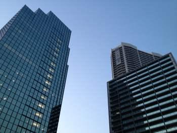 Na rynku biurowym praktycznie nie powstają już budynki bez certyfikacji, a zrównoważone budownictwo staje się standardem