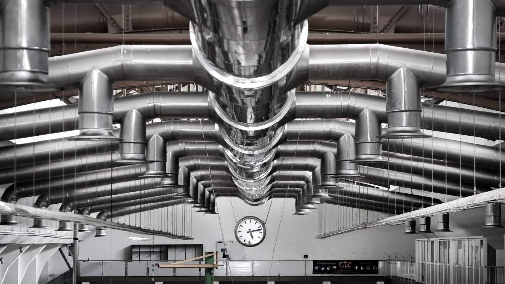 Jakość powietrza i wentylacja to kluczowe czynniki wpływające na warunki panujące w biurze