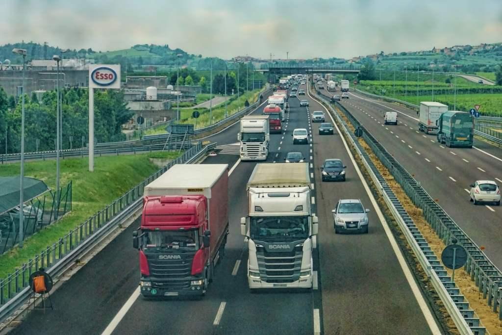 Konwój autonomicznych ciężarówek zakończył swoją pierwszą trasę po Europie