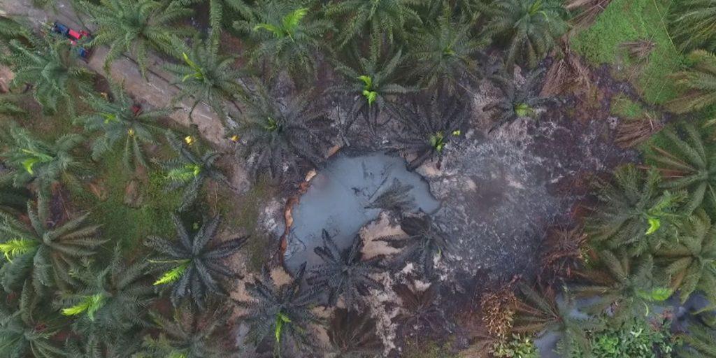 Katastrofalny wyciek ropy do rzeki Magdaleny w Kolumbii