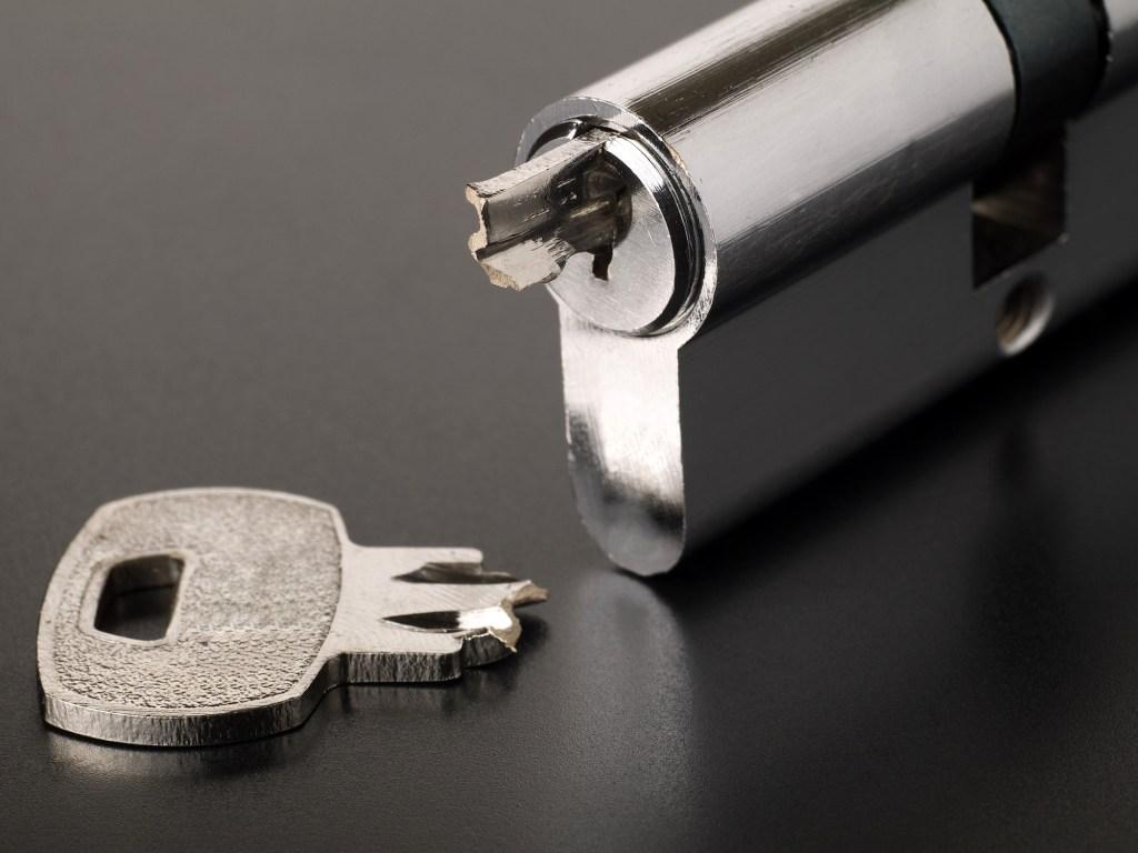 złamany klucz
