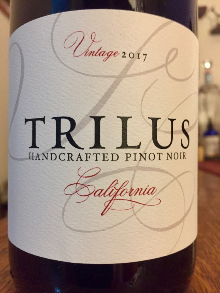 Label on bottle of Trilus California Pinot Noir 2017