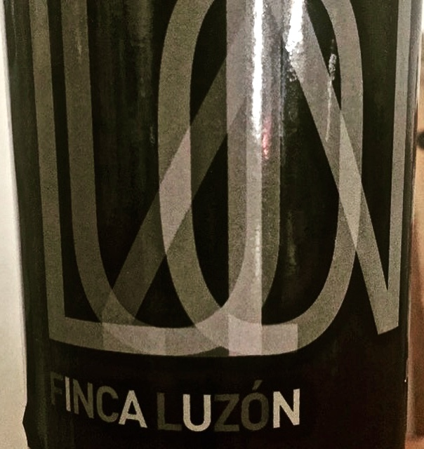 Label from a bottle of Finca Luzón Jumilla 2015