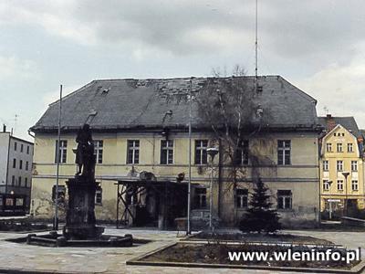Ratusz  we Wleniu Anno Domini 1991