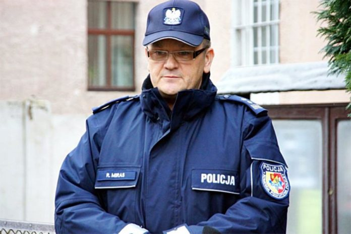 Komendant Robert Miras odchodzi z lwóweckiej policji