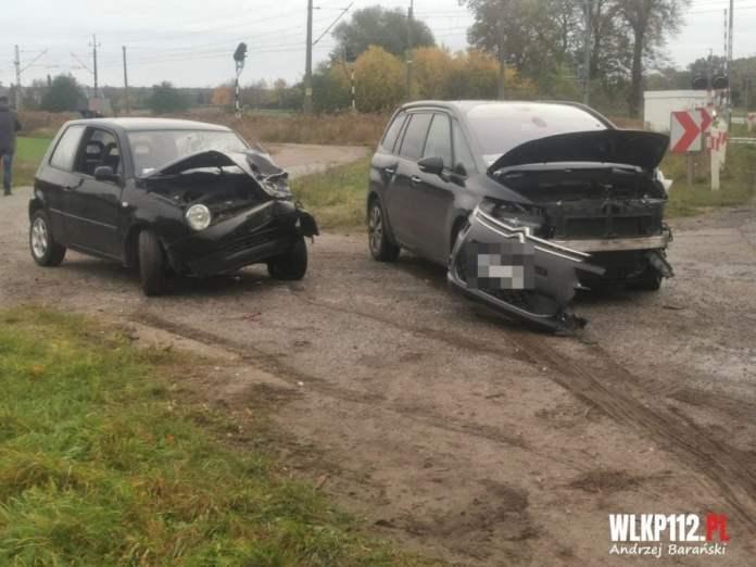 Andrzej Barański wlkp112.pl / Czołowe zderzenie dwóch samochodów na DW308