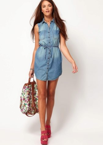 What can I wear with a denim shirt dress? 2