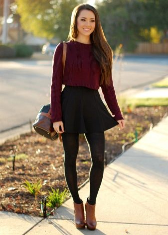 How to wear a sweater and skirt? 2