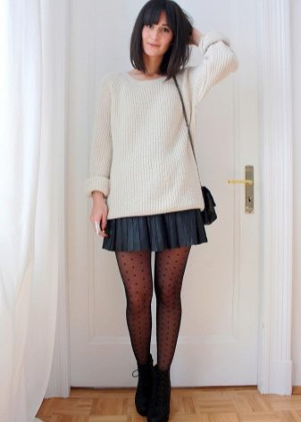 How to wear a sweater and skirt? 3