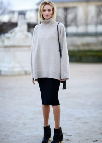 How to wear a sweater and skirt? 9
