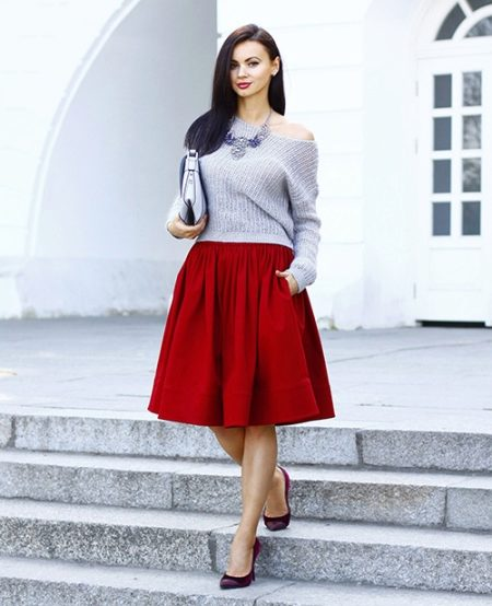 How to wear a sweater and skirt? 13