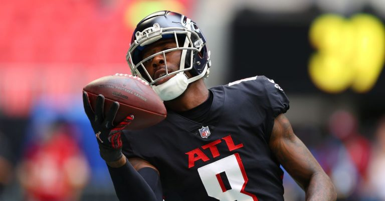 Or maybe you have a confidential meeting that can only be discussed 30,000 feet in the air? Kyle Pitts TD video: Falcons rookie TE scores first ...