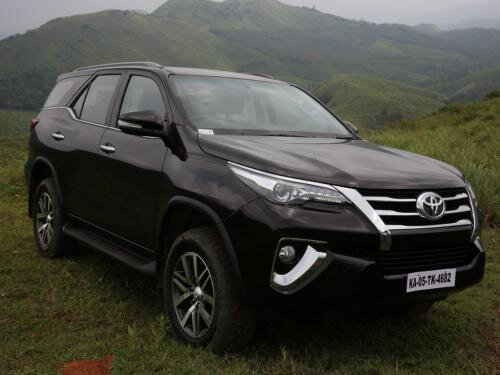 New Toyota Fortuner Price In India Avail May Offers Reviews On This Month