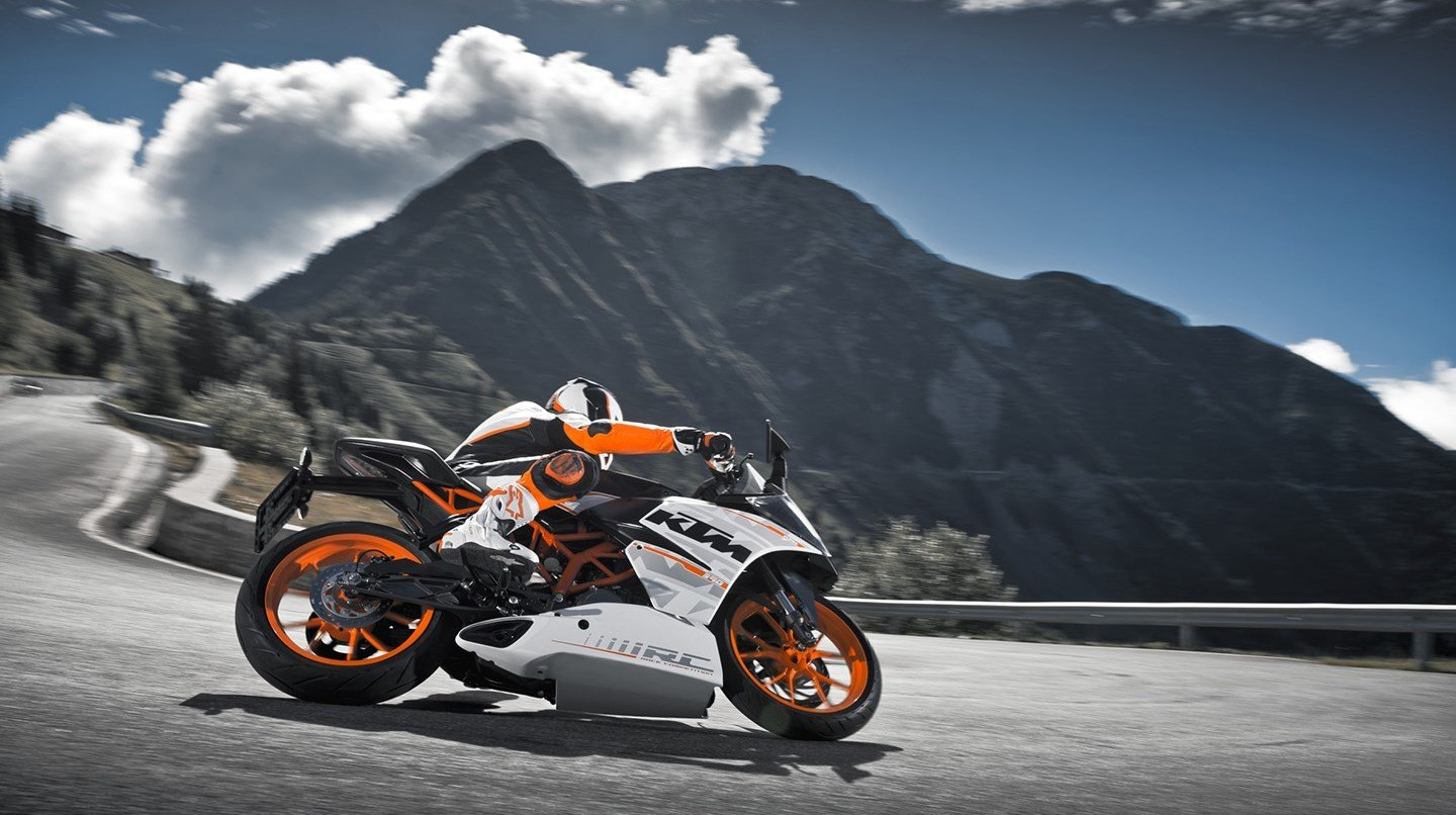 New Ktm Rc 390 Specs 2016 2017 2018 Autoevolution On This Month
