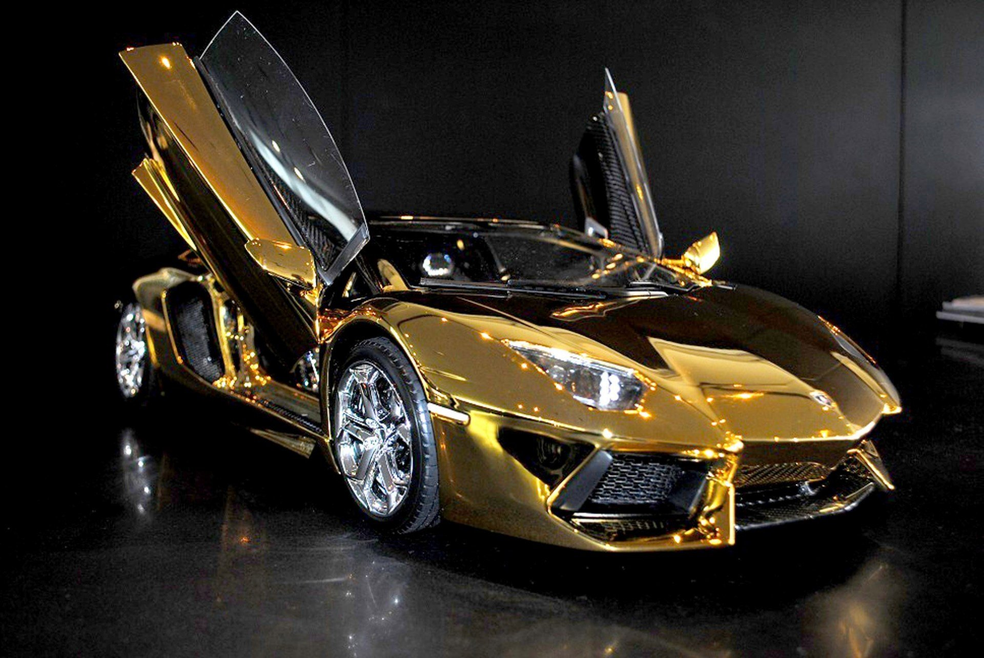 New A Solid Gold Lamborghini And 6 Other Supercars New York Post On This Month