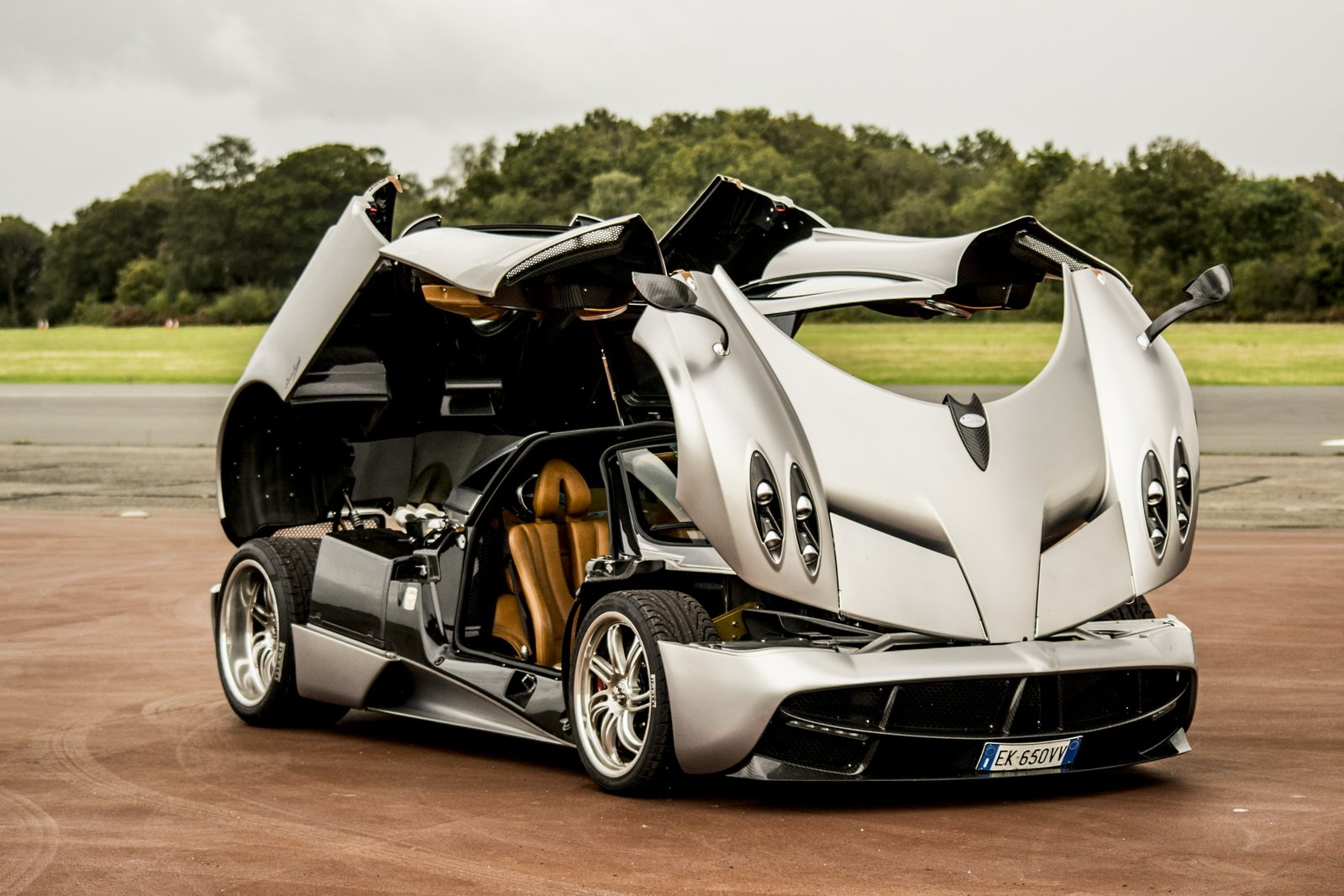 New H*Rdc*R* Pagani Huayra R Imagined Has The Build It Now On This Month