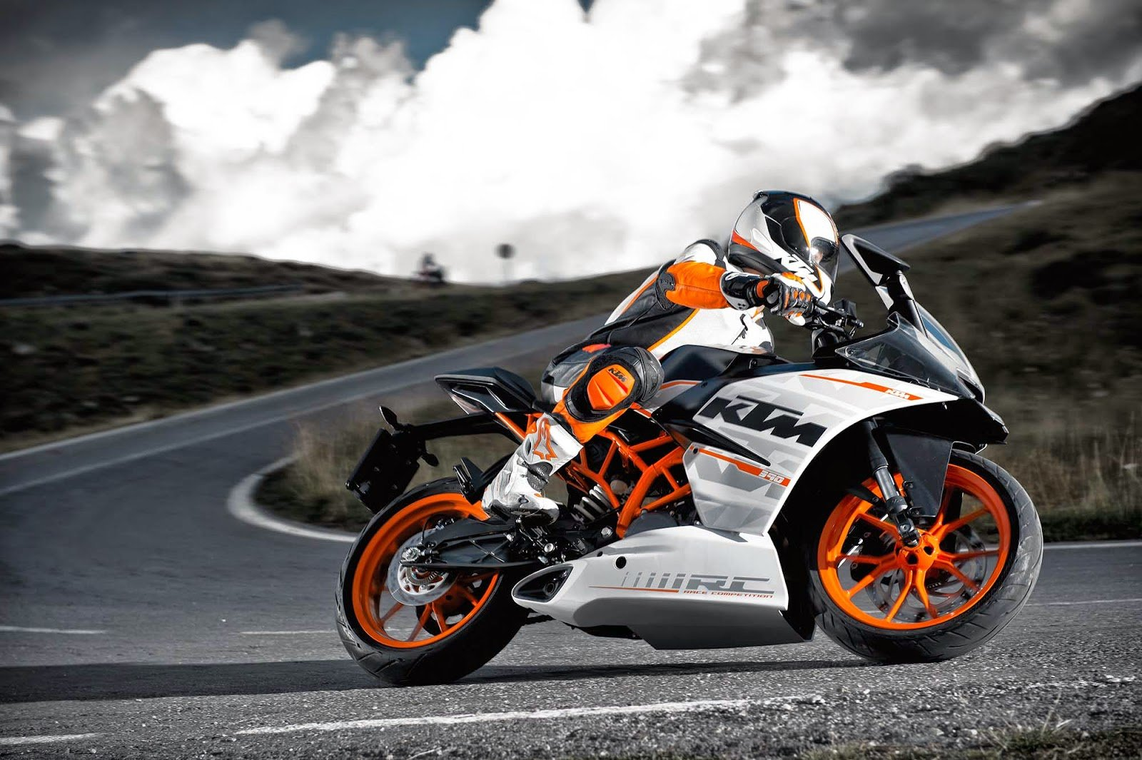 New Ray Superbike Review Ktm Rc 200 City Performance On This Month